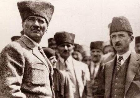 Atatürk Dumlupınar Resimleri - Atatürk İsmet İnönü ile Birlikte