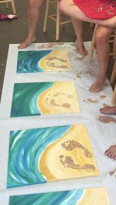 Peinture les pieds sur la plage