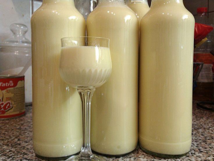 Jak vyrobit vařený vaječný likér | recept