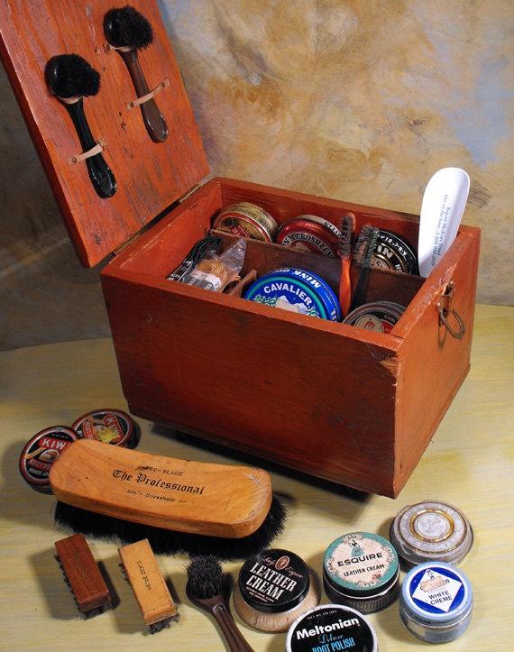 Kiwi Shoe Shine Box