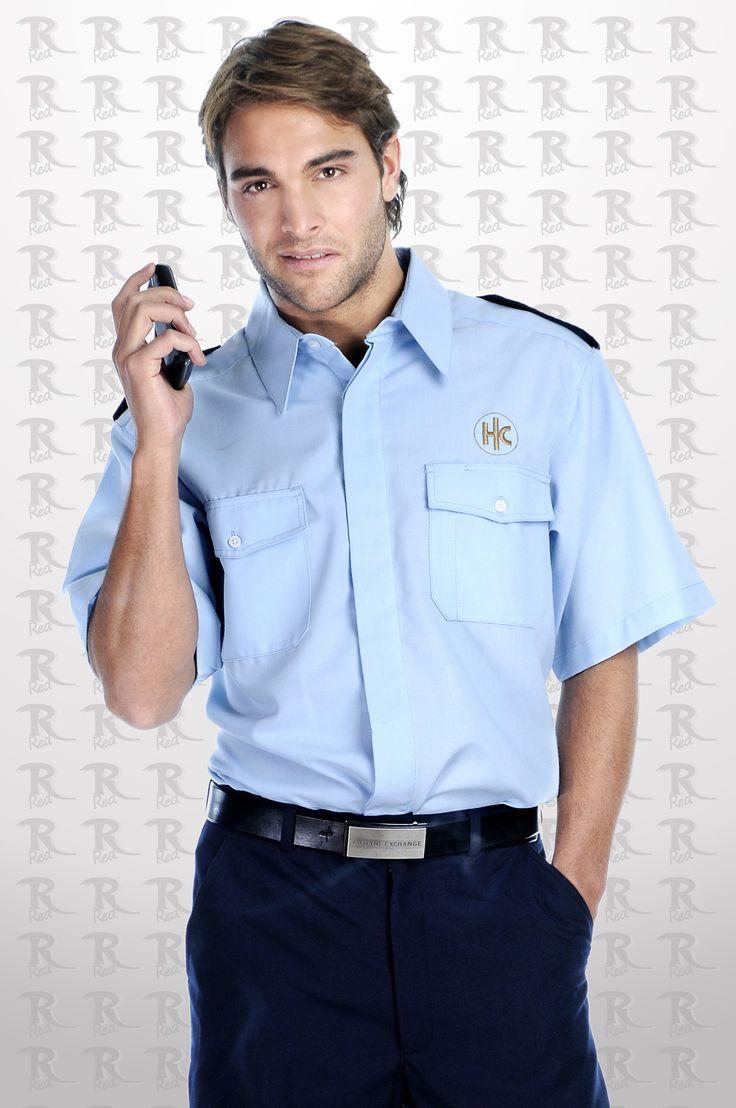 Uniforme para guardia de seguridad con camisa en color azul cielo y pantalón negro. http://www.creacionesred.com.mx/