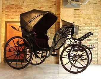 Black Horse Carriage. Love
