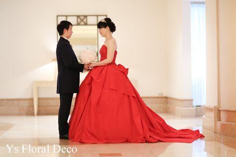 4月にヨコハマグランドインターコンチネンタルホテルさんで挙式ご披露宴の新婦さんより、当日のお写真をいただきましたので、ご紹介いたします。挙式用白ドレスと、...