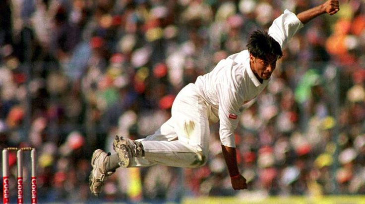 Akhtar's 100mph thunderbolt in 2003 World Cup is in 4th place in ICC's greatest moment lists. http://tribune.com.pk/story/805201/pakistan-world-cup-victory-on-iccs-100-greatest-moments-list/…