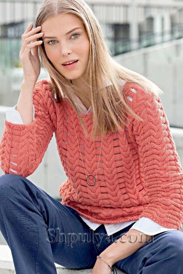 Коралловый ажурный пуловер спицами