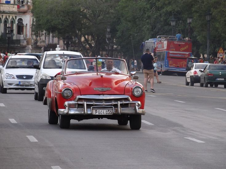 Last days of classical Cuba ? FInd out here: http://www.imperatortravel.ro/2016/03/in-cuba-cu-un-pas-inaintea-americanilor-ep-1-dupa-10-ani.html