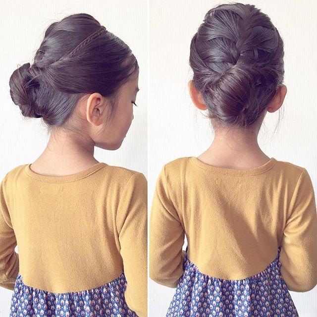 Top 100 girls hairstyles photos ✨✨✨✨✨✨✨✨ 休日の#大人っぽヘア ✨ トップを#表編み込み にして編み終わりをすぐ結びゆるめる♡ 左下から上方向に#三つ編み をいれて#カチューシャ に 前髪とサイドを合わせてさっきのゴムの位置で#くるりんぱ 全部まとめても一回結んで 横からのくるりんぱ#よこりんぱ を2回✨ 最後はピンで留めて…  @hiroki.hair さんのtutorialを参考にしました♡ #hair#kids#girlshairstyles#girlshair#hairstyles#Daily#hairfortoday#kidshair#braidsforlittlegirls#女の子の髪型#ヘアアレンジ#毎日の髪型#幼稚園#年長さん#6歳#子どものヘアアレンジ#子供の髪型#キッズヘア#キッズヘアアレンジ#まとめ髪#Frenchbraid See more http://wumann.com/top-100-girls-hairstyles-photos/