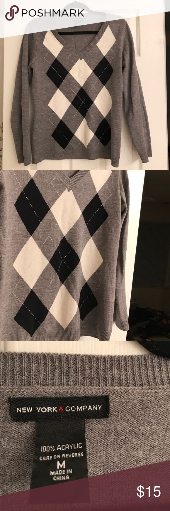 New York and Co argyle sweater Barely worn argyle sweater New York & Company Sweaters V-Necks