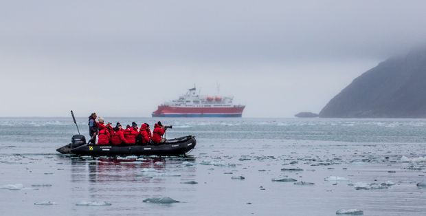 How to choose your #Arctic #cruise - a #travel guide compiled by our experts