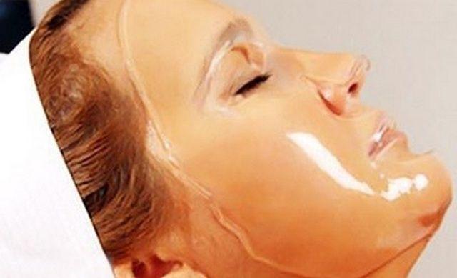 Видео: желатиновая маска для лица. Наиболее распространены два рецепта очищающих желатиновых масок. Наносятся они на проблемные зоны и замечательно избавляют от всевозможных загрязнений. Одна из таких масок это очищающая маска от че…