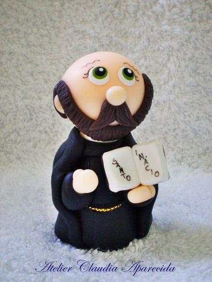 Para comprar: http://www.elo7.com.br/santo-inacio-de-loyola-8-cm-altura/dp/4B3DD7