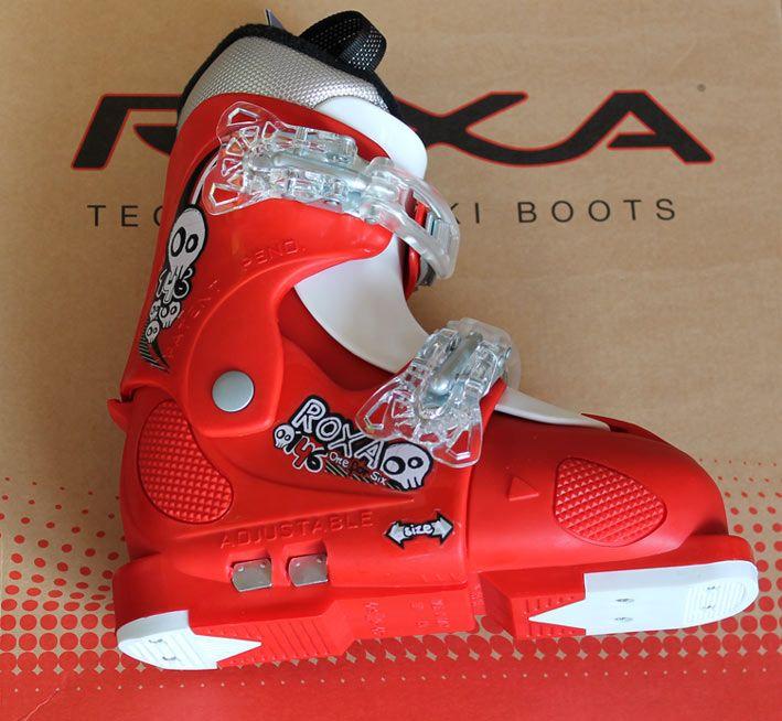 Clapari reglabili rosii Roxa FullTilt marimi mici pentru copii | Magazin echipament sportiv http://magazinechipamentsportiv.com/clapari-reglabili-rosii-roxa-fulltilt-marimi-mici-pentru-copii/