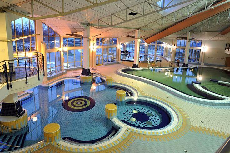 A nemzetközi színvonalú Sárvári Gyógy- és Wellnessfürdőben számos gyógyászati, egészségmegőrző és rekreációs szolgáltatást kínálnak.