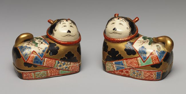Pair of incense boxes (kogo) in the shape of dog-charms (inuhariko), Edo period (1615–1868), ca. mid-19th century | Japan, Minpei kilns (active 19th century) | The Metropolitan Museum of Art, New York | Gift of Mrs. V. Everit Macy, 1923 (23.225.6a,b) #dogsArt Dogs, Dogs Charms Inuhariko, Japanese Edo, Boxes Kogo, Japanese Porcelain, Edo Periodic Japanese, Minpei Kiln, Incense Boxes, Metropolitan Museums