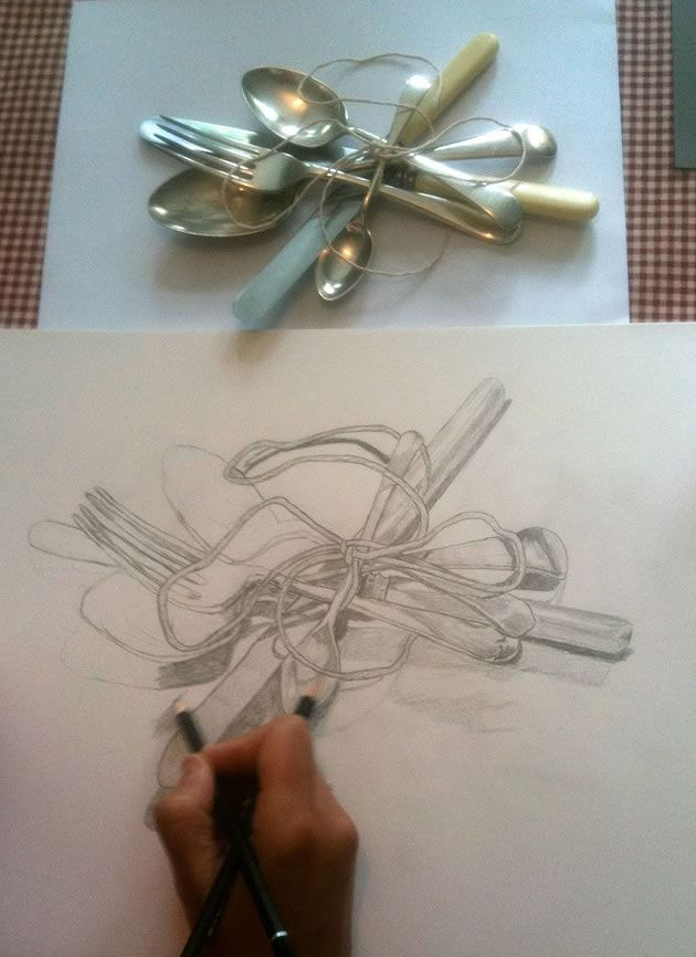 A list of still life ideas for teachers and Art students. The collection includes old favourites, as well as more unusual still life drawing topics.