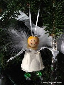 Day #351 - Christmas Angel Egg Carton Craft - Meaningfulmama.com