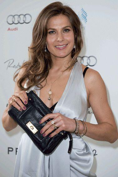 ELLEs web-TV var med på den røde løber under Danish Beauty Awards og fik en snak med stjernerne.