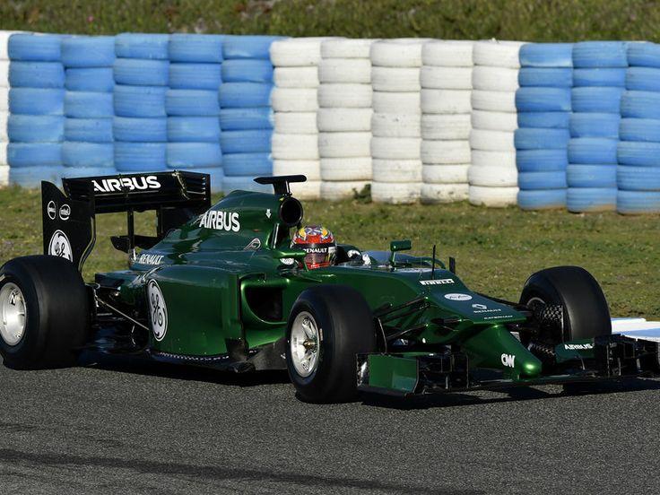 Robin Frijns in the 2014 Caterham F1 car