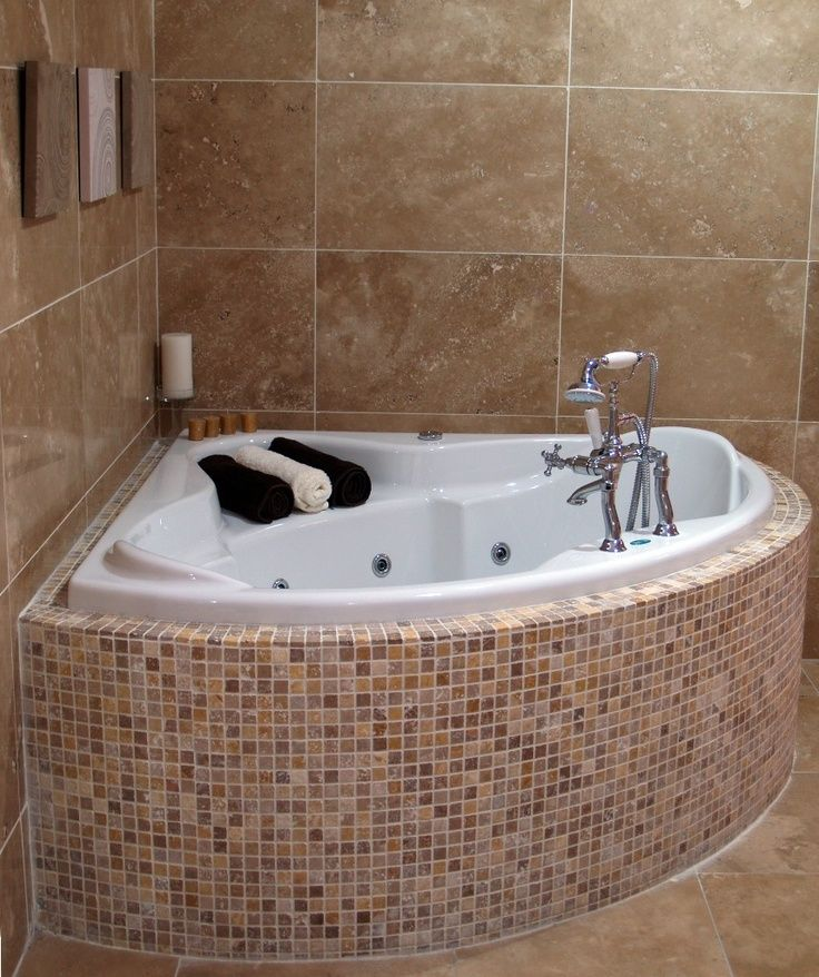 25 best ideas about corner bathtub on pinterest corner for Bathtub ideas pictures