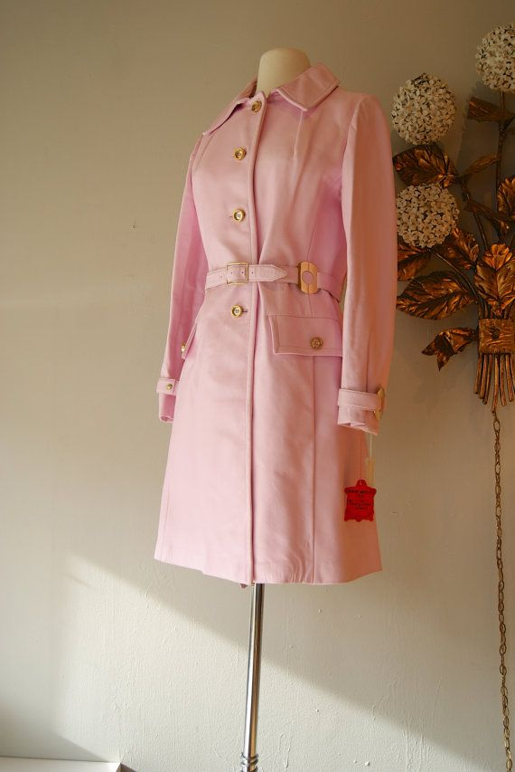 $248    This vintage coat is so ladylike!  Good thing the hardware is in gold - I don't wear gold or else I'd be begging to buy this!
