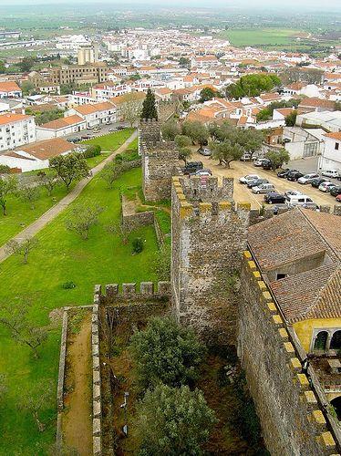 Beja, capital de distrito, Portugal. Muralhas.