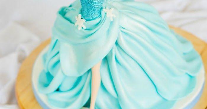 Paso a paso para hacer de forma sencilla una espectacular tarta de la muñeca Elsa, de la película Frozen.