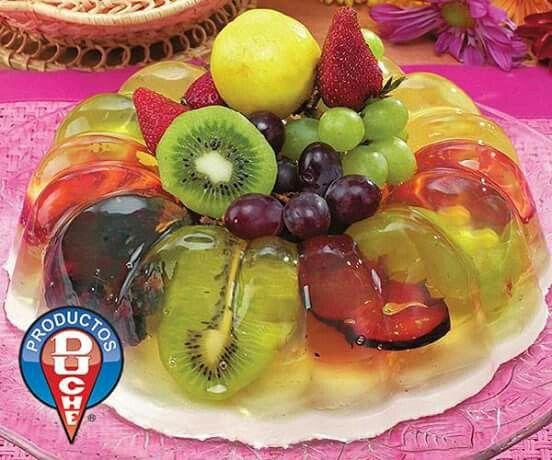 GELATINA DE FRUTAS ›› 40 gr o 4 cucharadas de grenetina  ›› 1 litro de agua ›› 300 gr de azúcar ›› 125 ml de almíbar de piña o durazno ›› 400 gr de fruta al gusto