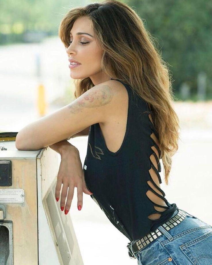 "Belen Rodriguez confida: ""rendo i miei ex più fighi"""