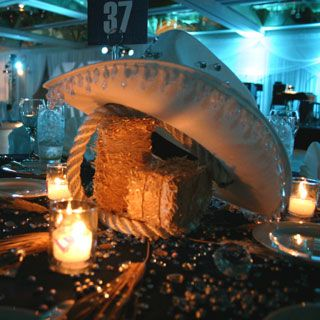 centerpieces using hay bales cowboy hats mini bales of hay country table centerpieceswestern party