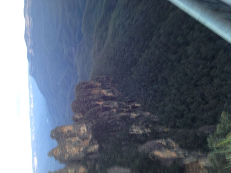 Three sisters and bluemountains, too cold for good pics