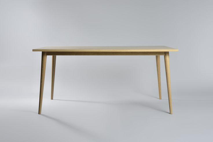 "Table ""Carmen"" Moromou"