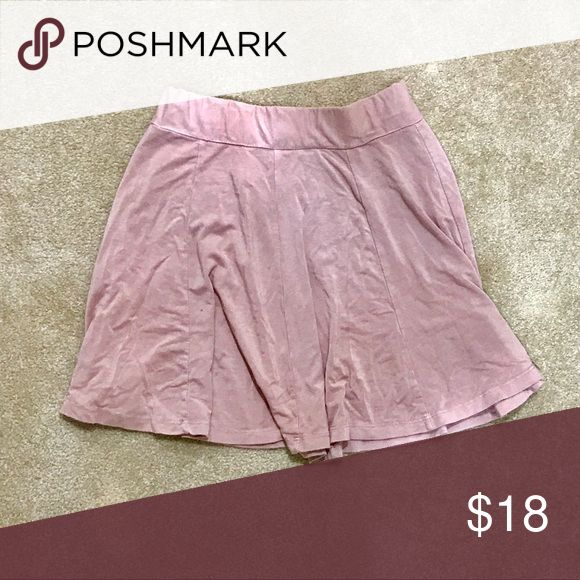 Brandy Melville pink skater skirt Cute comfortable skirt from brandy! Only worn a few times and is in great condition Brandy Melville Skirts Mini