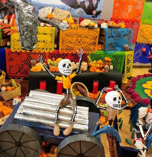 Ofrenda del CCU Tlatelolco dedicada a migrantes - Foto Mundukos