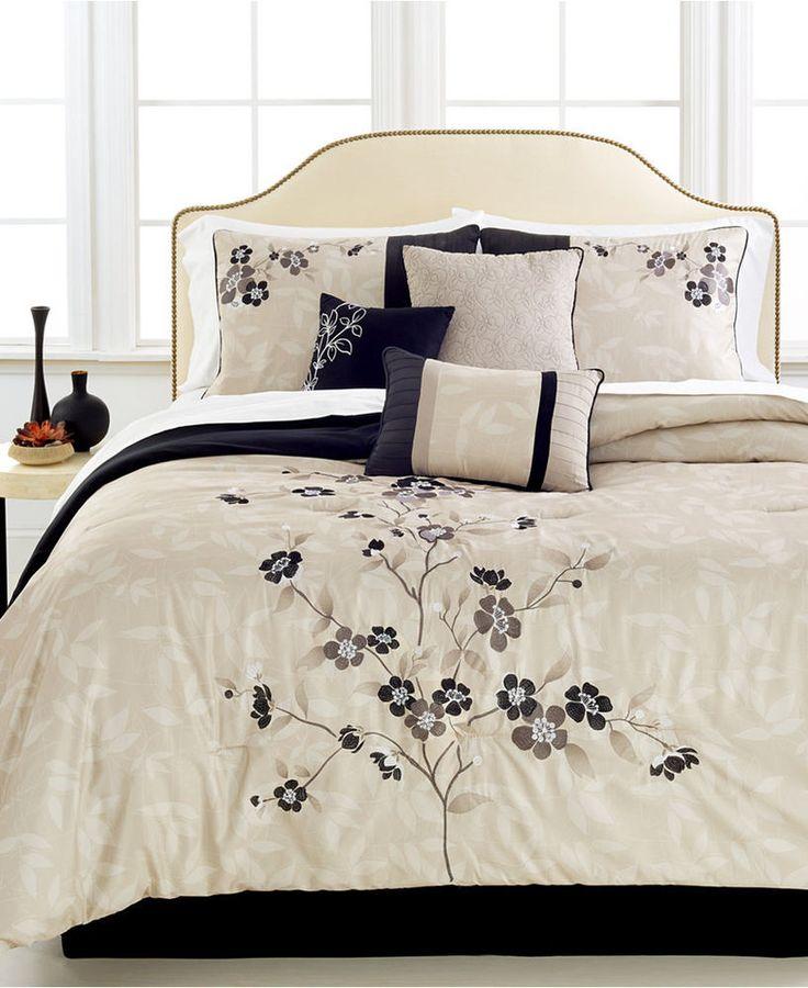 Hallmart Collectibles Mirabelle 7-Pc. Queen Comforter Set stunning reg $250.00 #HallmartCollectibles #Traditional
