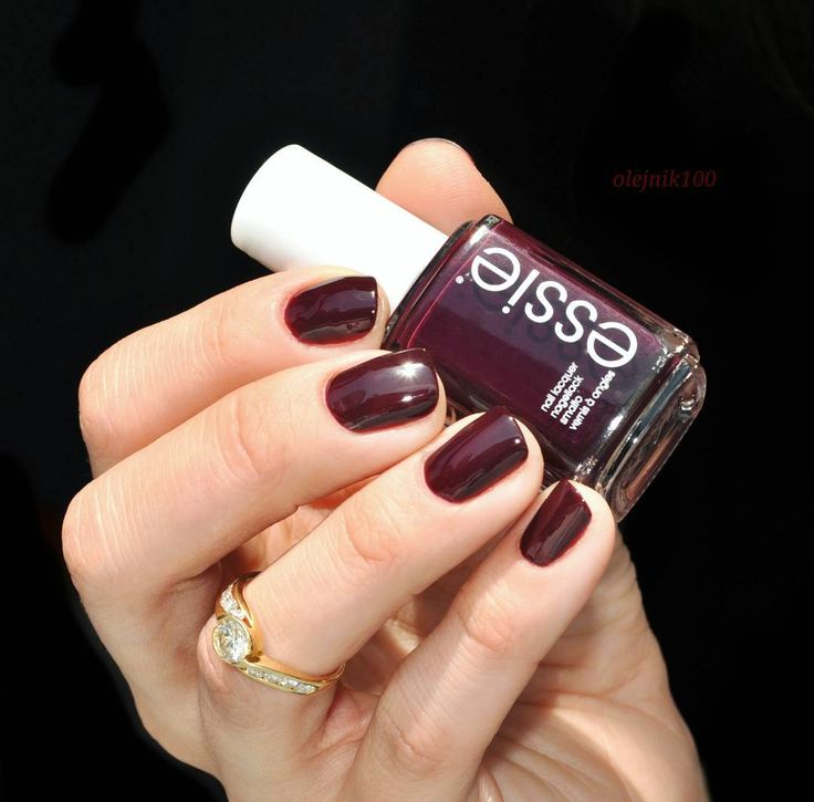 this rich, deep plum essie lacquer accessorizes fashions to perfection. it's a true 'sole mate'