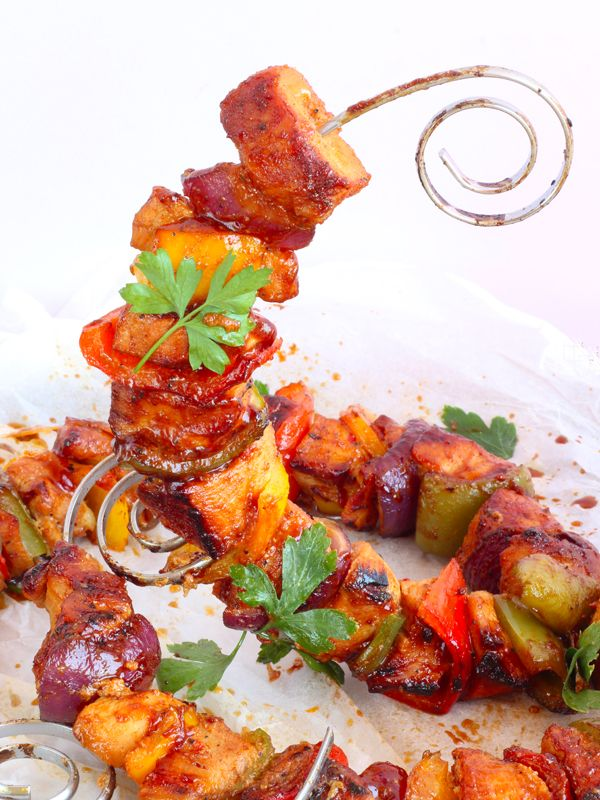 spicy honey chicken skewers http://www.diverdediviola.it/diverdediviola/spiedini-di-pollo-al-miele-e-spezie/