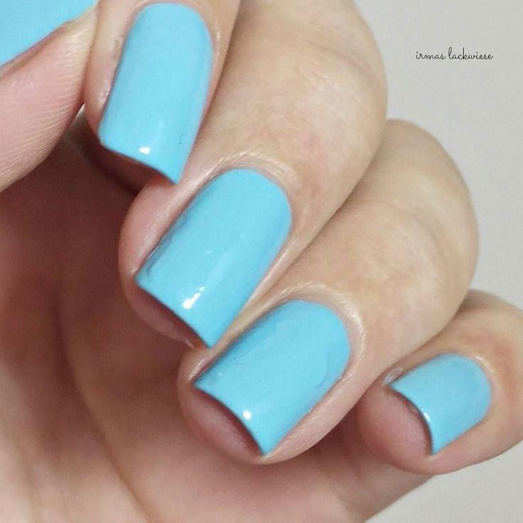 Die knubbel auf meinen Nägeln bitte ignorieren da war der Nagelkleber am Werke    Nummer 53 von @sophincosmetics  #nails #nailpolish #polishes #lacquer #vernis #nagellack #lackliebe #polishlove #sophinnailpolish #sophin #instanails #nailstagram #nailsofinstagram #nailsohlala #craftyfingers #mani #manicure #prsample by irmas_lackwiese