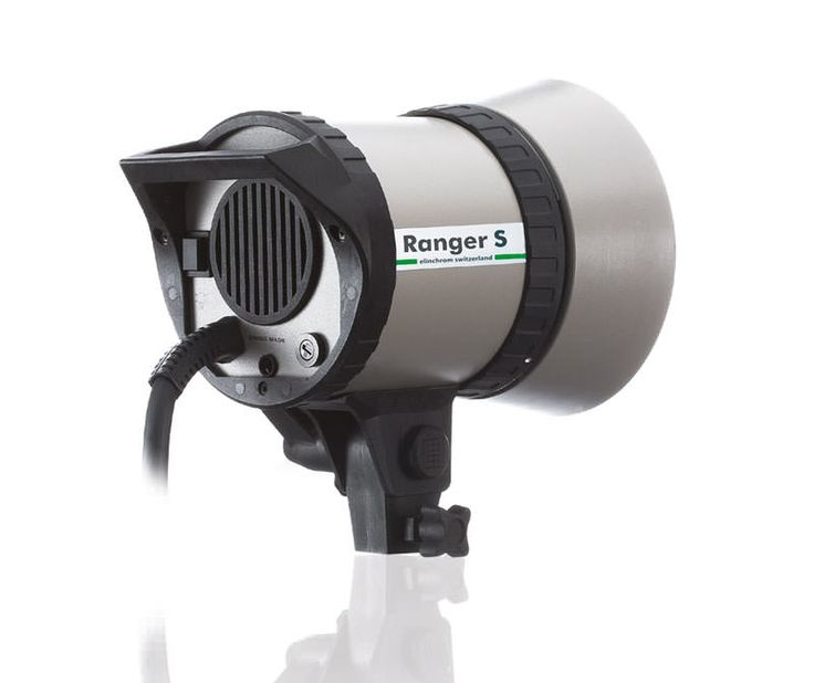 The Ranger S (Standard) Head is a compact and robust metal bodied light source for outdoors and studio use.
