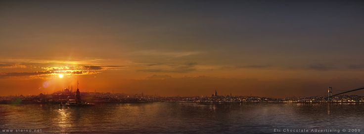 A sunset matte painting of Istanbul, Turkey for a TV commercial of the brand Eti Chocolate.  STARNO.NET Frederic St-Arnaud - Matte Painting | Concept Art | Illustration