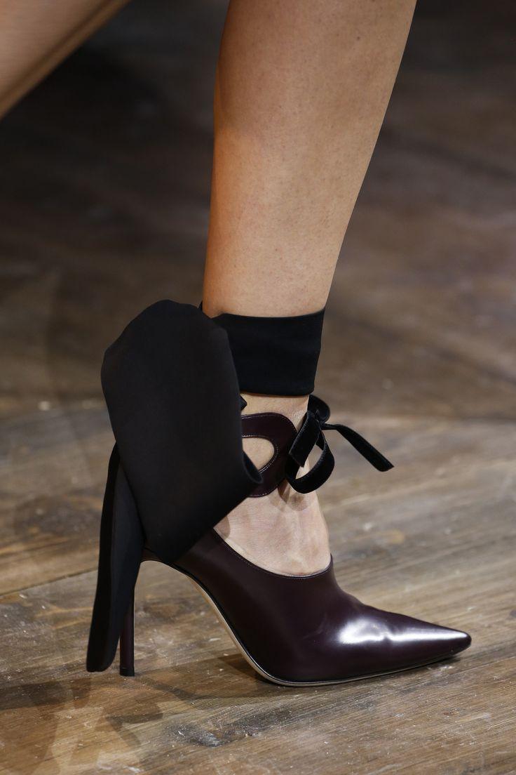 Christian Dior Spring 2016 Couture Fashion Show Details