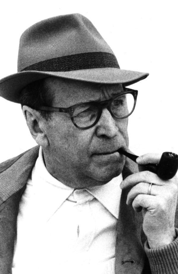 George Simenon.   Fallece el 4 de septiembre de 1989 en Lausana, Suiza.