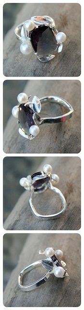 """Funky Homo sapiens OOAK cushion cut Alexandrite (rare!) 925 Sterling Silver cocktail ring, combined with genuine pearls, and """"comfort fit"""" ring band."""