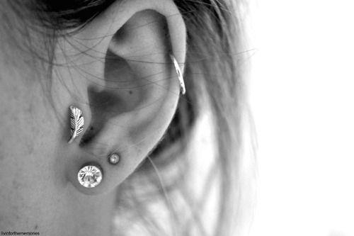 ear piercings: Feathers Earrings, Style, Beautiful, Earpiercing, Jewelry, Tragus Earrings, Tattoo, Ears Piercing, Tragus Piercing