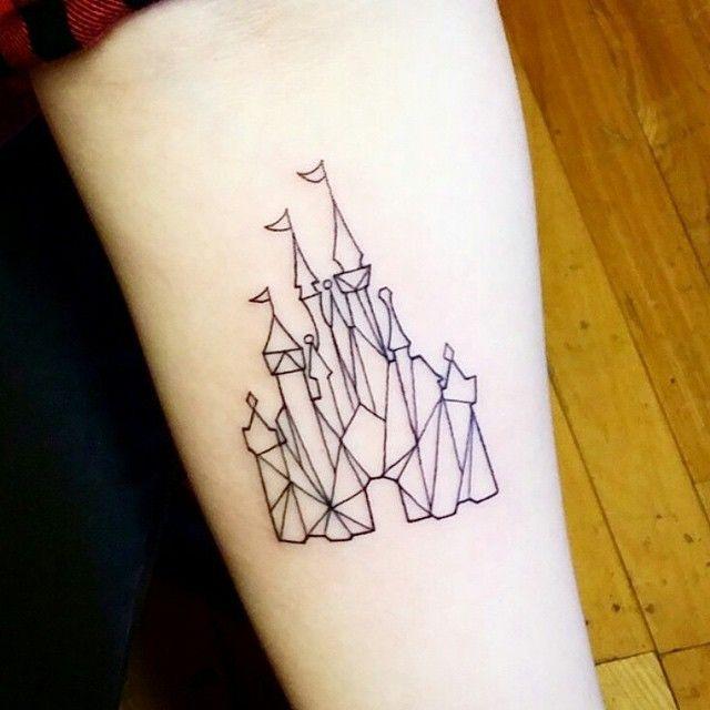 "Tatuagem feita por <a href=""http://instagram.com/jayganzi"">@jayganzi</a>                     #amazingink"