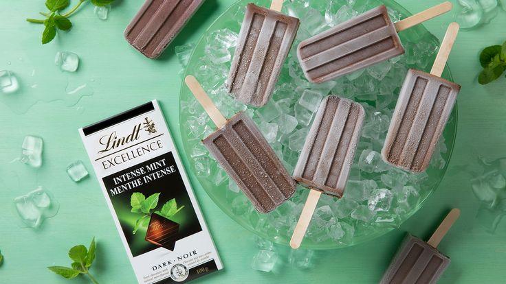 Sucettes glacées choco-menthe par Simplement Excellence de Lindt – où les amateurs de chocolat trouvent leur inspiration pour des recettes, des conseils et des décorations.