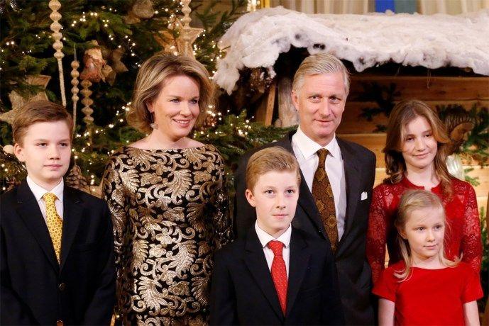 Koningin Mathilde straalt in opvallende gouden outfit - Het Belang van Limburg: http://www.hbvl.be/cnt/dmf20161222_02640194/mathilde-straalt-in-opvallende-gouden-outfit?hkey=487322799ea1af9d849588196a710cb0