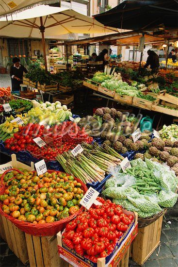 an italian market place in Rome