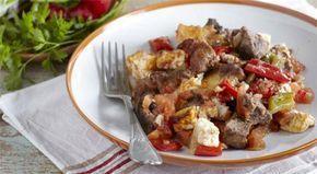 Γκούλμπασι στη γάστρα. Μια εύκολη συνταγή για ένα πεντανόστιμο πιάτο. Οι γεύσεις και οι μυρωδιές από 2 κρέατα, πιπεριές και δύο τυριά ανακατεύονται και απο