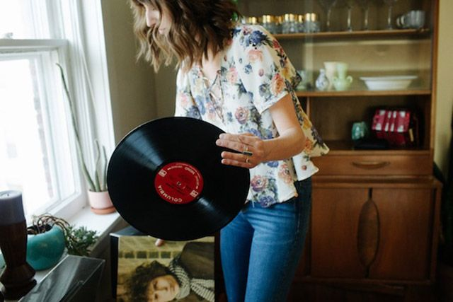 UO Guide: Small Space Decor with Amber Moore - Urban Outfitters - Blog