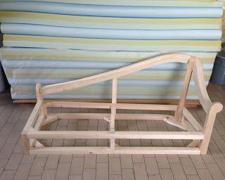 Struttura in legno massello su misura per la chaise-longue Chesterina creata su disegno daTino Mariani per il cliente. http://www.tinomariani.it/divani_su_misura.html